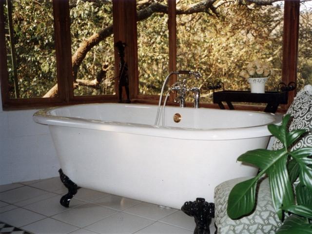 Cinnamon Luxury Suite